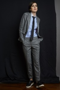 Porter le tailleur pantalon avec des derbies par Artling